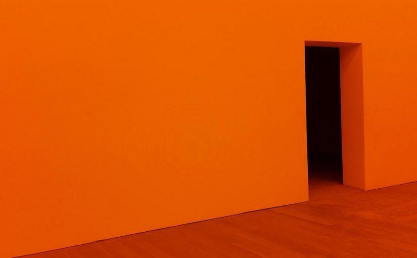 Há! Minha porta é mais estreita do que a sua!